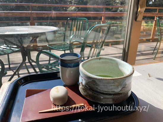 お休み処 清め茶屋のきよめ餅と抹茶のセット